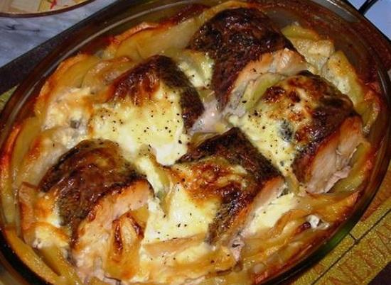 1 Запеченная щука с картошкой
